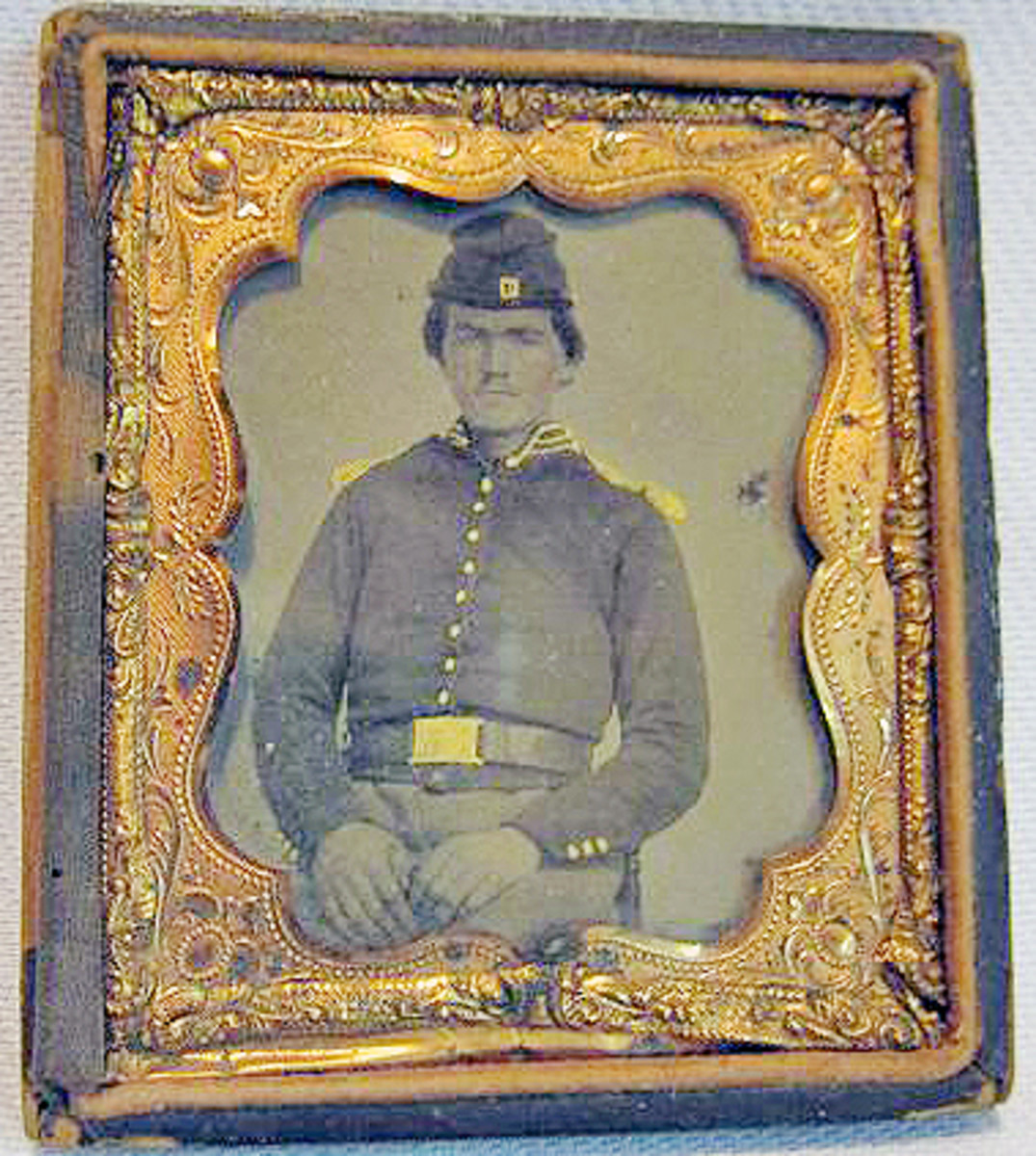 "Lot #328. Union Soldier tin type in frame 3""x 3 1/2"""