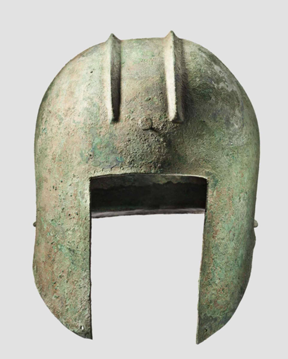 An Illyrian helmet with smooth rim, 2nd half of the 6th – 5th century B.C. HP: 21000 Euros