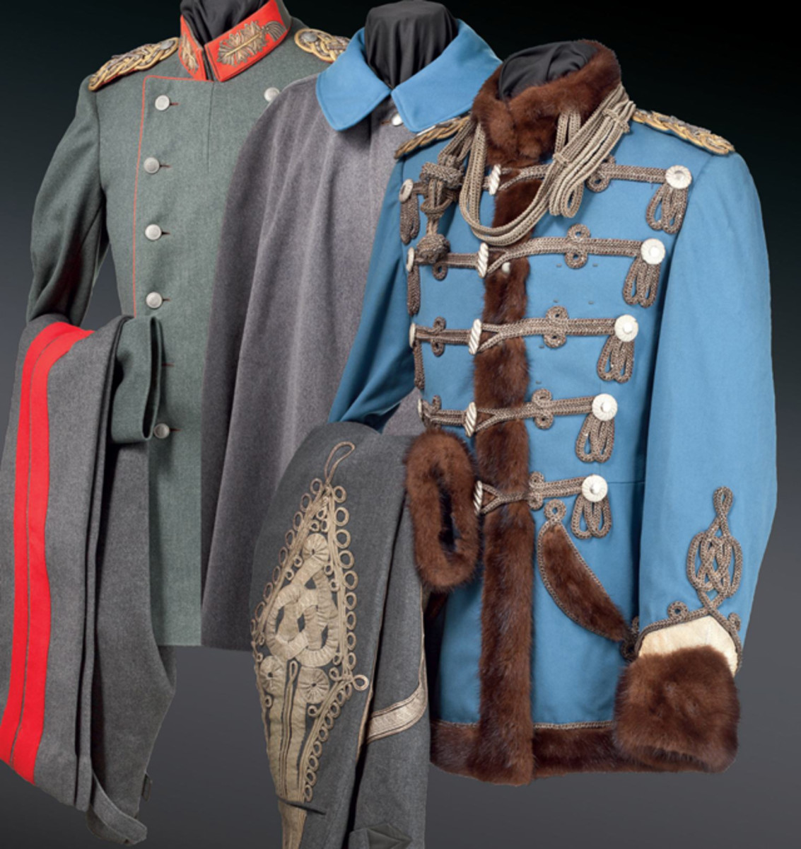 Collectors were able to purchase two uniforms from the personal wardrobe of Kaiser Franz Joseph I of Austria. A field-grey litewka with matching trousers sold for 8,000 euros. The fur-trimmed attila with matching parade trousers sparked a thrilling bidding duel when the hammer finally fell at 40,000 euros.