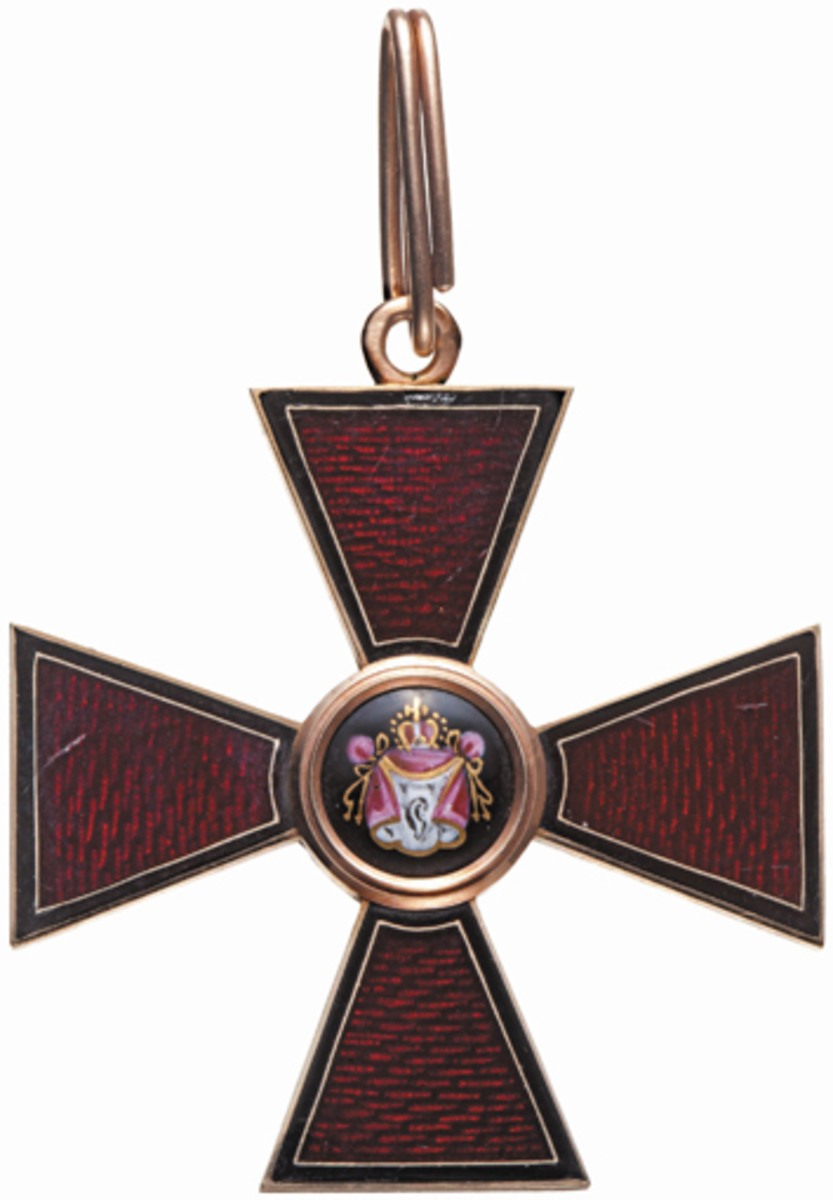 A Russian Order of St. Vladimir, 3rd Class, dated 1859, found a buyer for 13,500 euros.