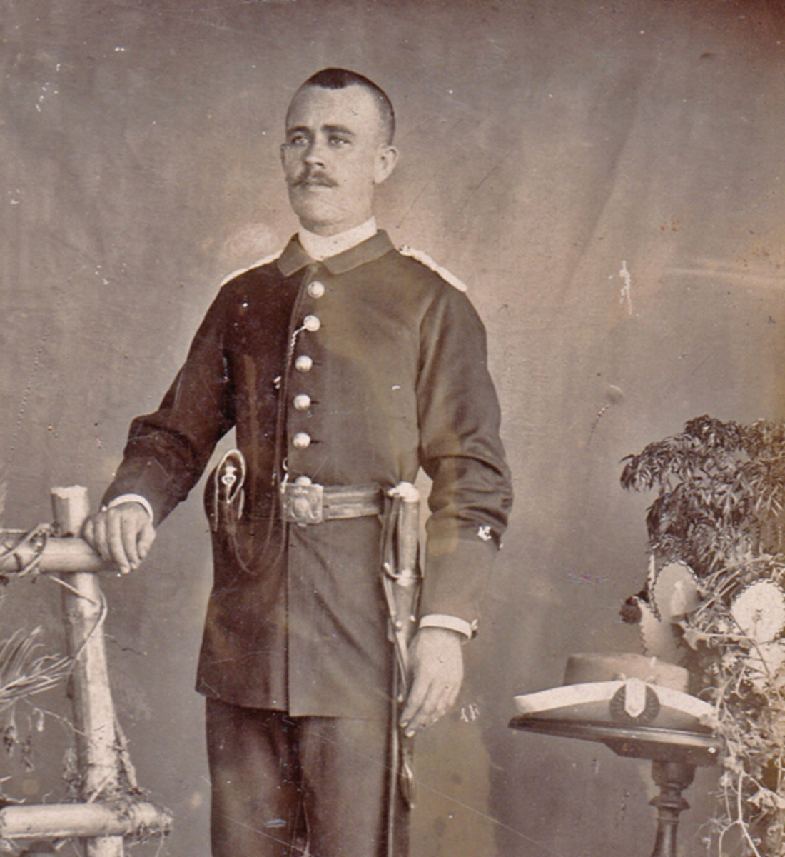 A Civil Guard in Cuba, ca. 1895. The larger size police cockade is worn on the brim of the gray felt 'Chamburgo' brimmed hat worn by this corps in the colonies.