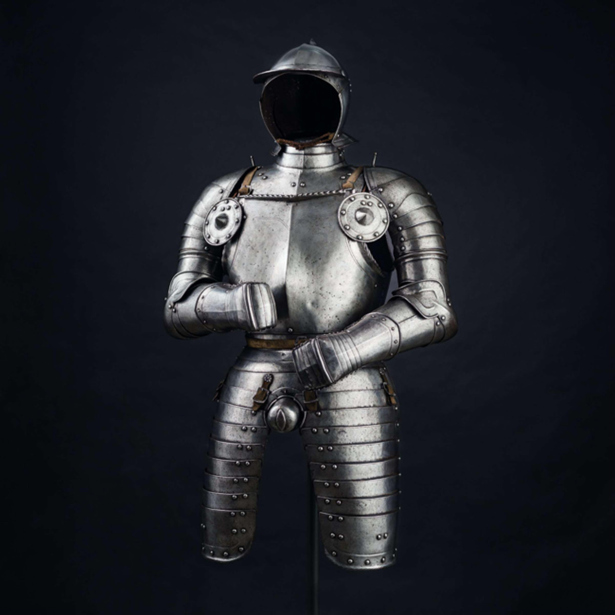 An early officer's suit of armour, Nuremberg, circa 1540 in good condition.