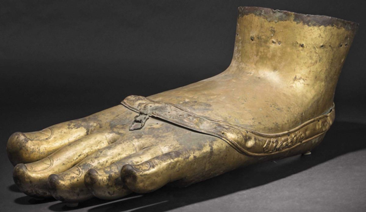 The foot of a Tibetan monumental Buddha statue, 17th/18th century.