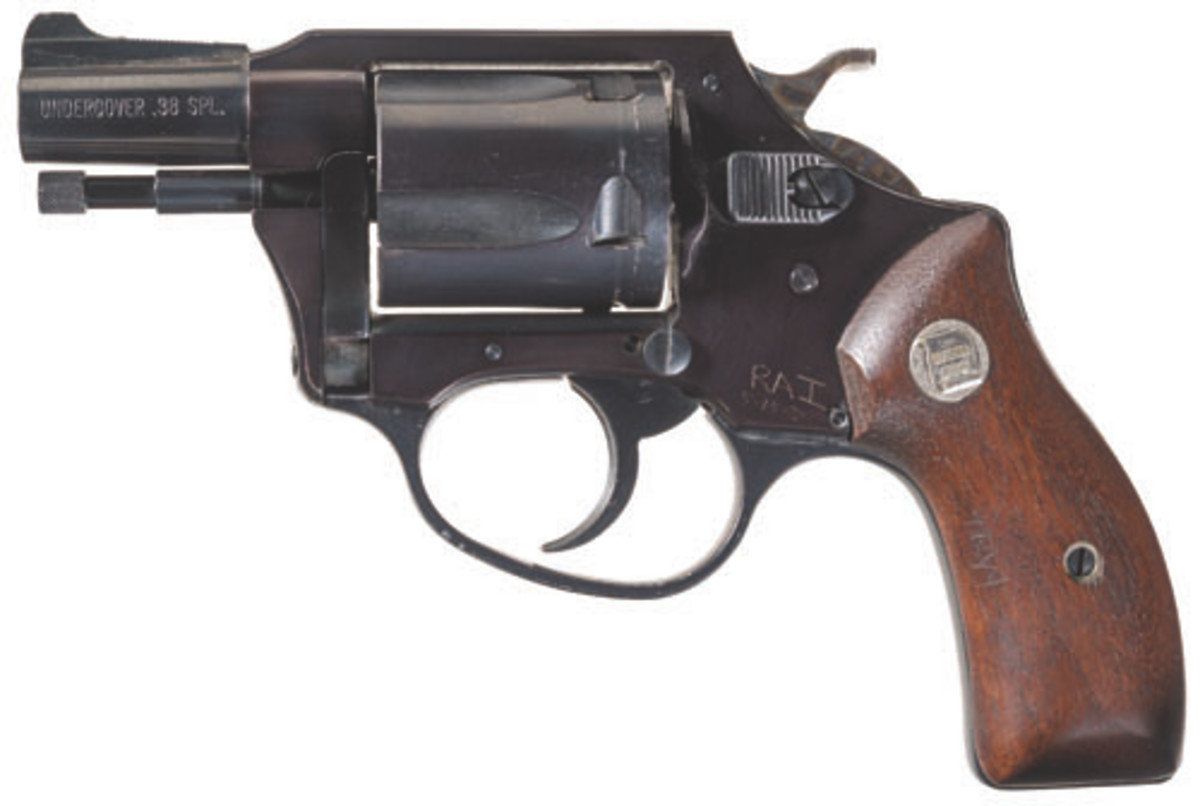 Lot 499: The Charter Arms revolver used in the assassination attempt of Gov. George Wallace brought $28,750.
