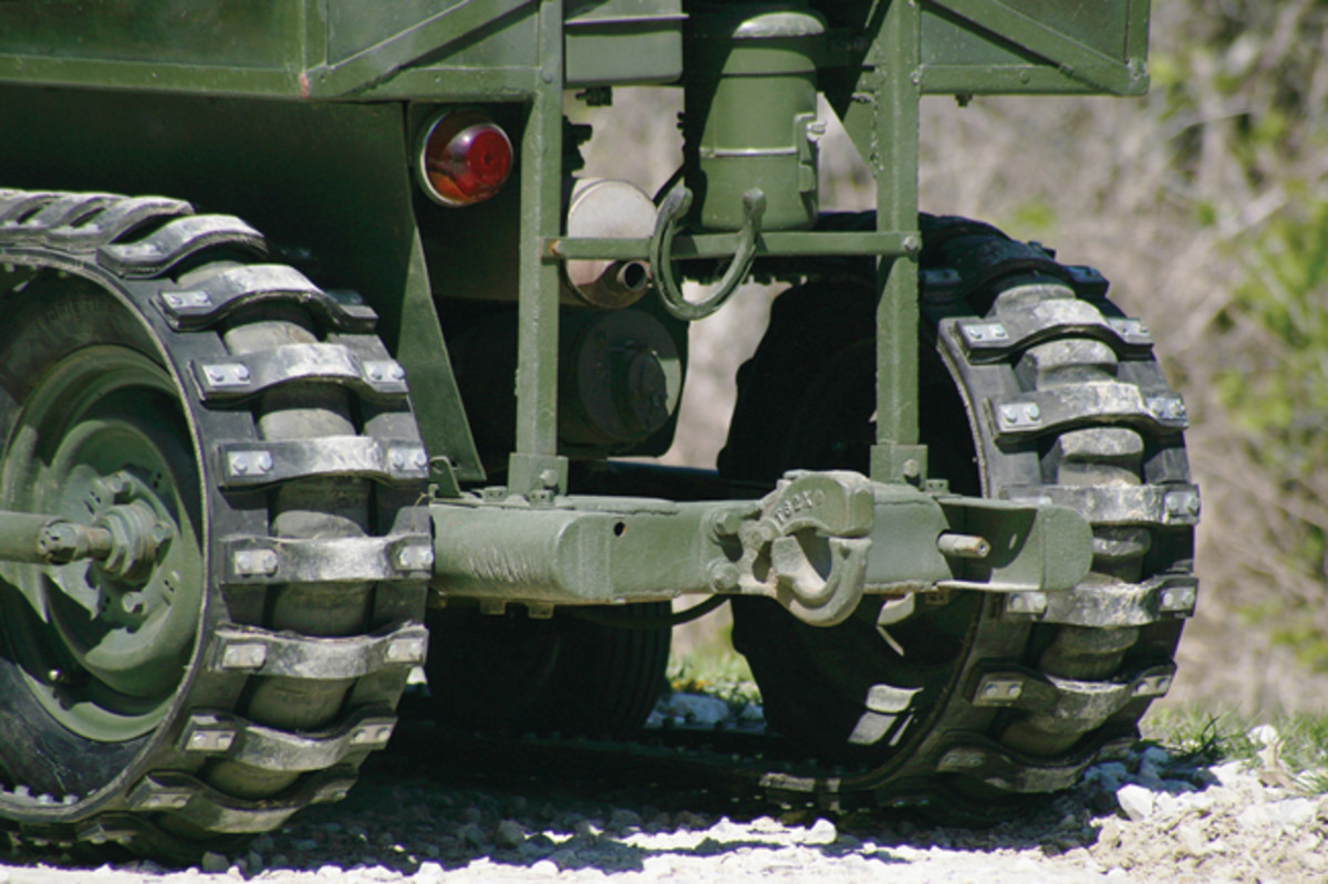 The heavy duty trailer hitch could pull the tracked trailer designed specifically for use with the Mule. The cylindrical mount also housed an air filter.