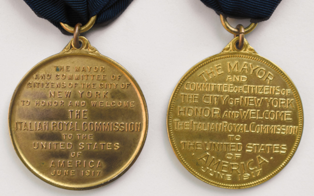 While the inscriptions are identical on the Italian War Commission medals, interesting variations have been found in the reverses.