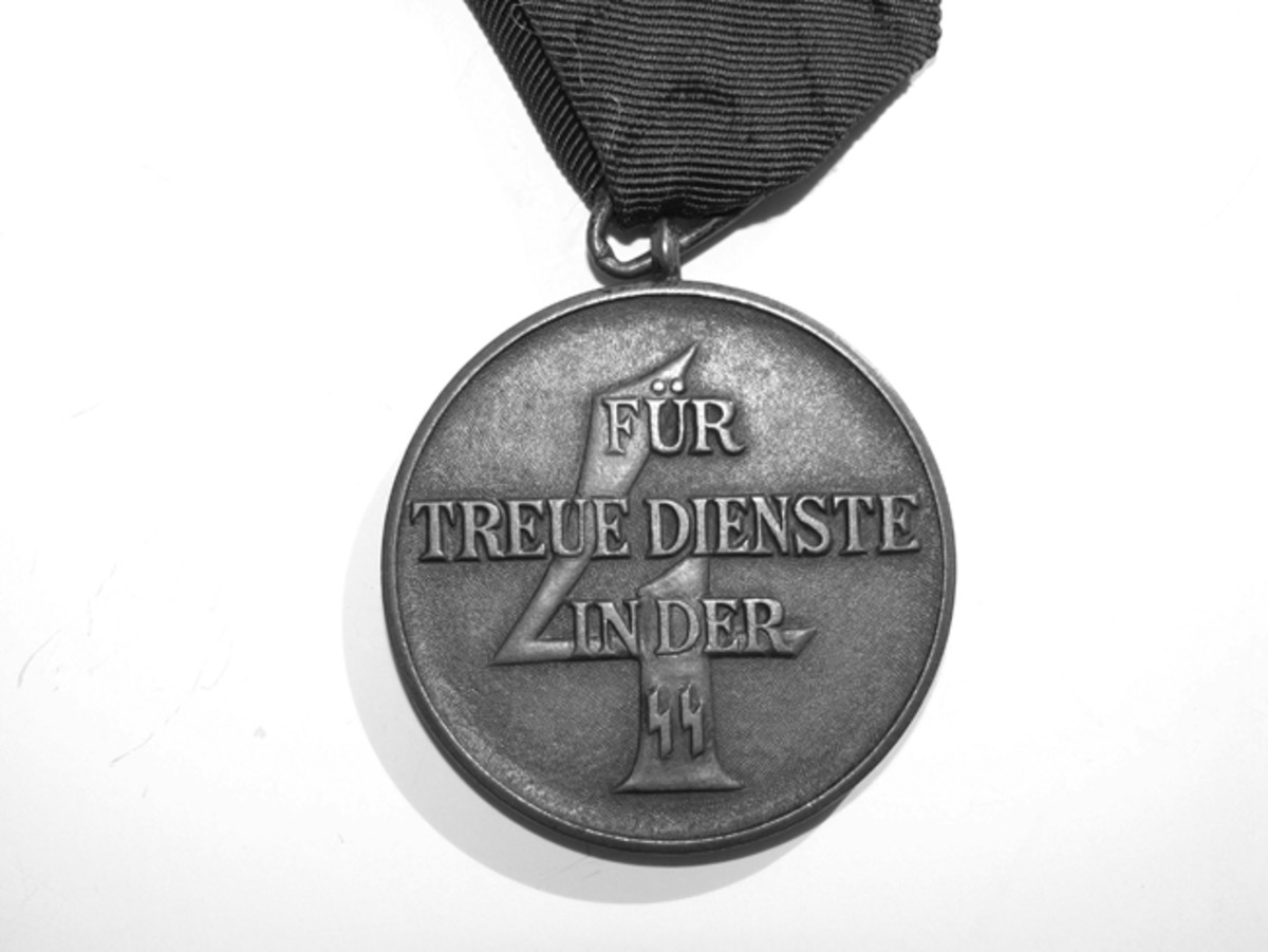 Introduced in 1938, the 4-year SS service medal was only given to enlisted men and NCO's.