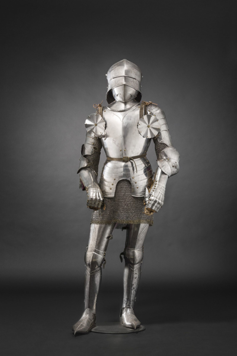 Late 15th century, Gothic full armour for the field in the 'Innsbruck fashion'