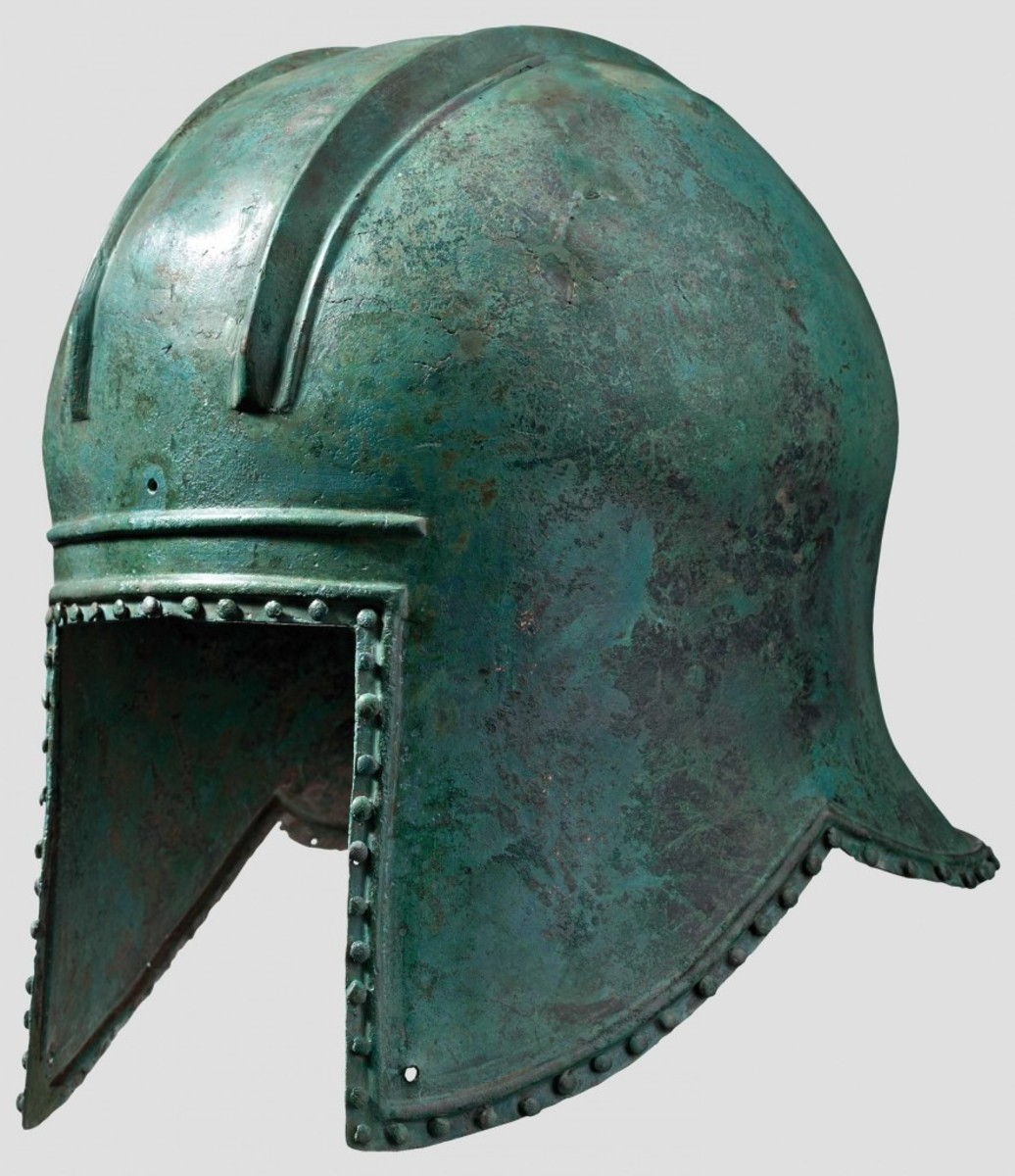 Illyrian bronze helmet with bright green patina from the 6th century. HH64 Lot No 3084