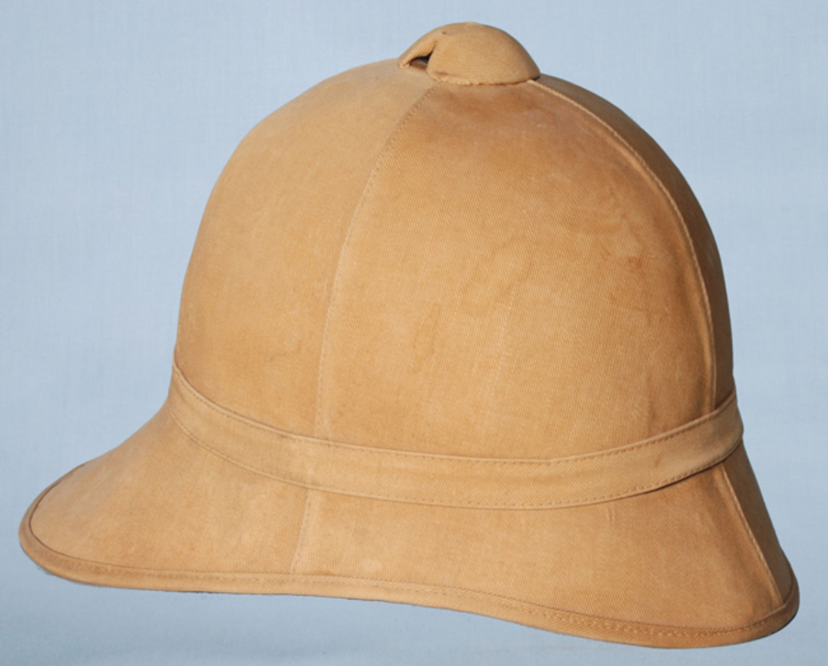 he Model 1889 helmet was produced in khaki and this pattern was used as late as 1920 in China, as well as being used by officers during the Spanish-American War. It was popular with some officers but generally disliked by the troops (Collection of the author).