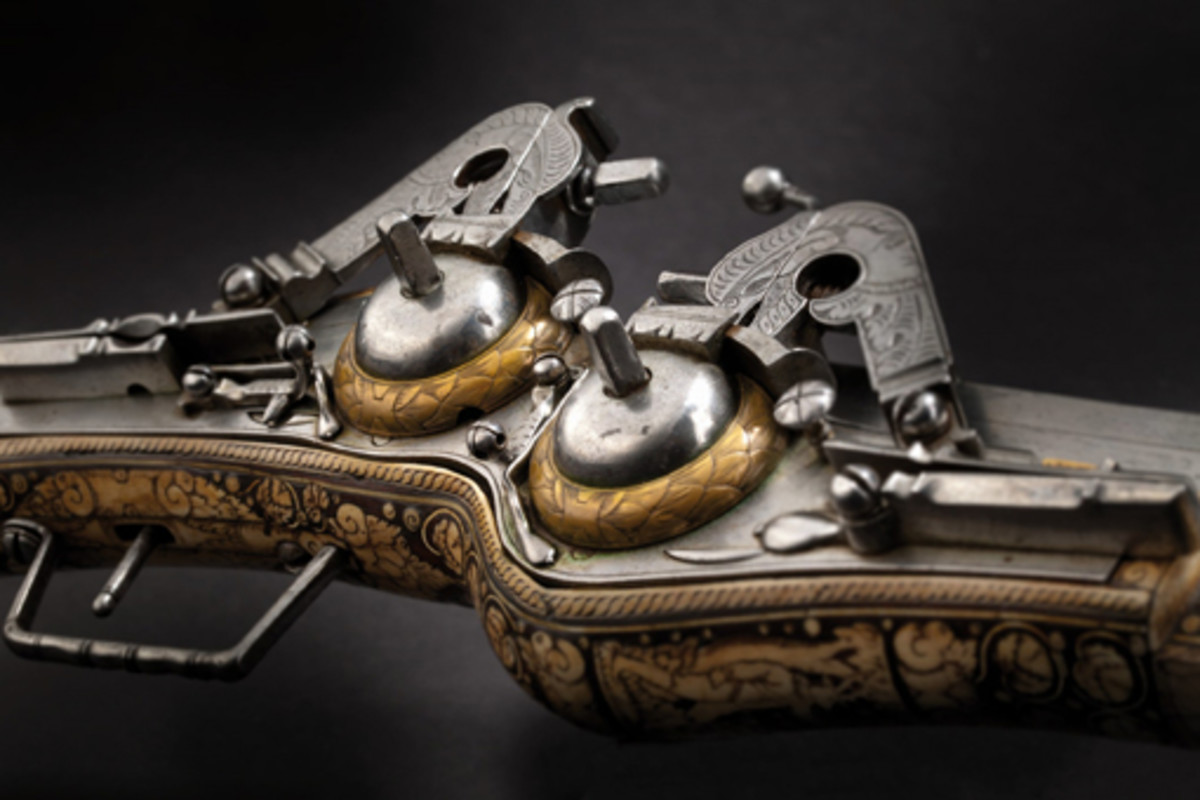 Lot 42: An important German double-barrel wheellock puffer, probably Saxony, dated 1598. SP: 35000 Euros