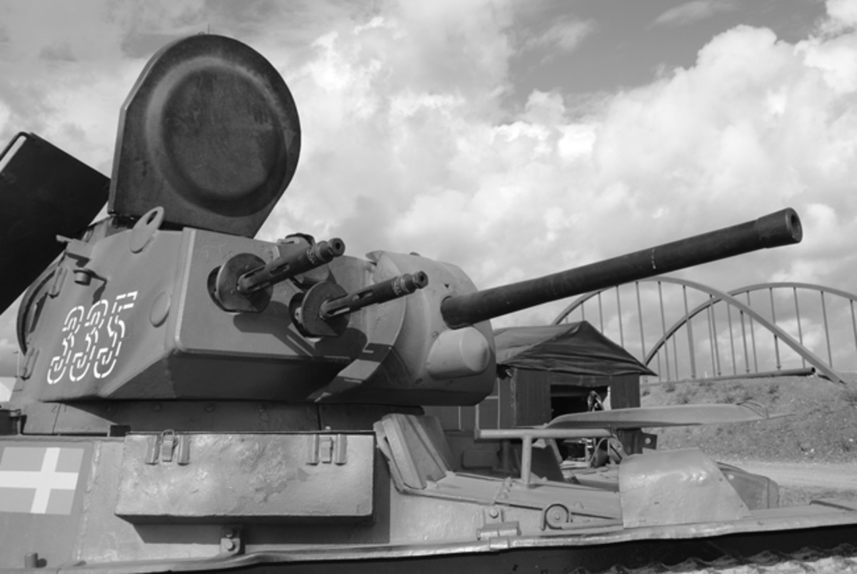 The potential firepower of the M/40 was formidable with a combined firing rate of 1200 to 1400 rounds per minute with both machine guns. The main gun would have been good to ranges of about 300 yards and firing fixed rounds of ammunition the rate of fire could have been several rounds per minute.