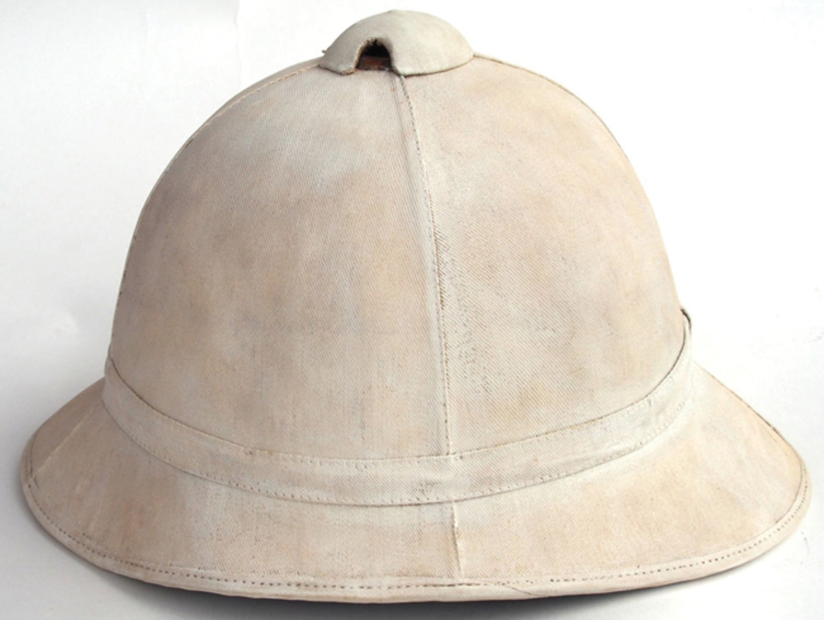 The original American sun helmet – a whitened Model 1880 sun helmet. Reportedly only 6,000 of these helmets were ever produced (Collection of the author).