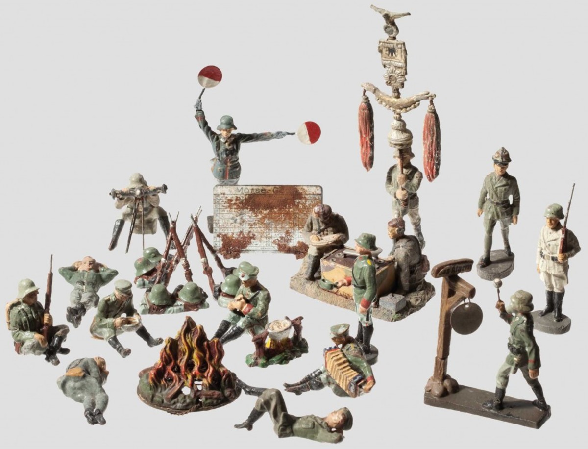 Original figures come in all shapes and sizes. Like all forms of collecting, condition often has the most influence on price. Courtesy of Hermann-historica.de