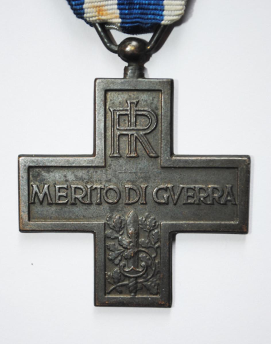 Italian Cross of War Merit 002