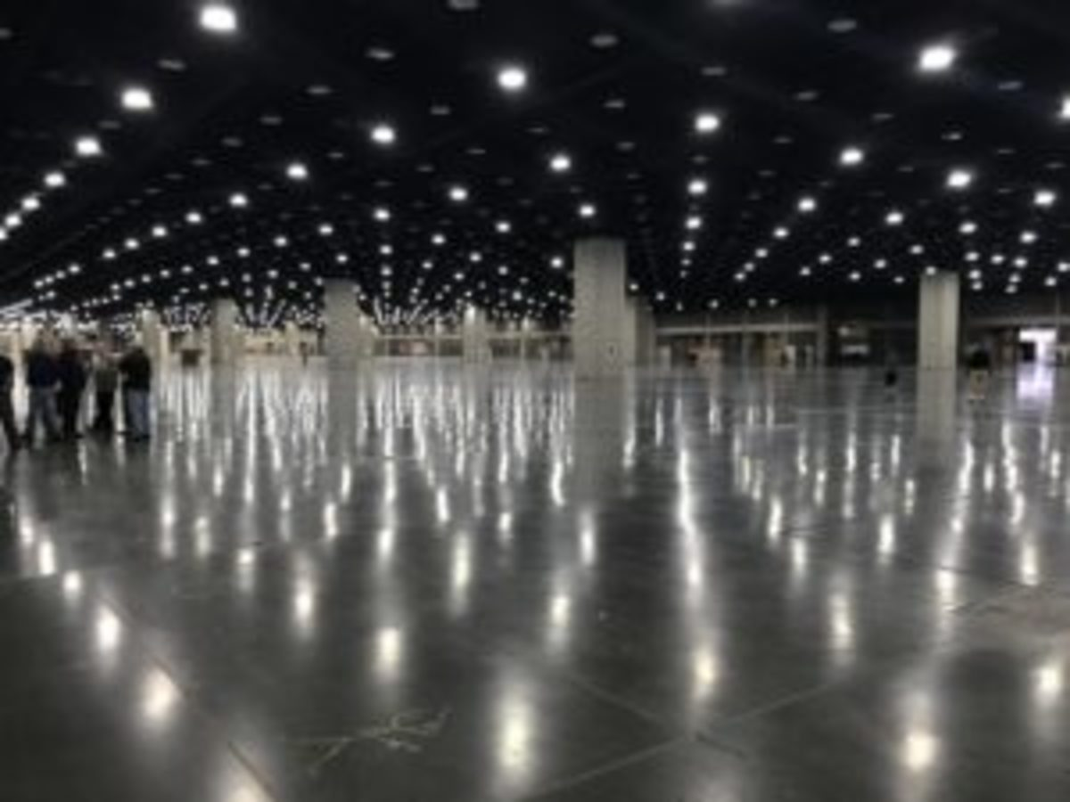 The Louisville Expo Center offers a mighty large area!
