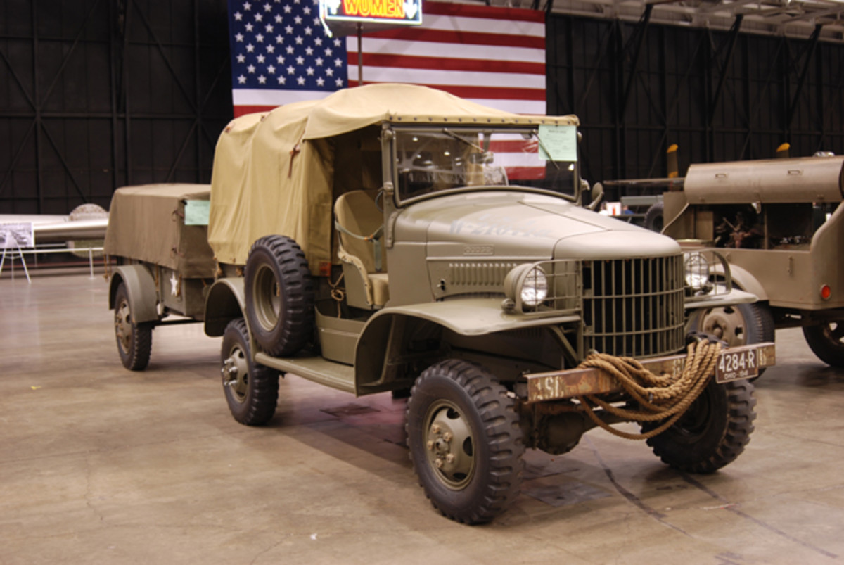Tom Watkins' 1941 WC-3 and 1944 G518 trailer.