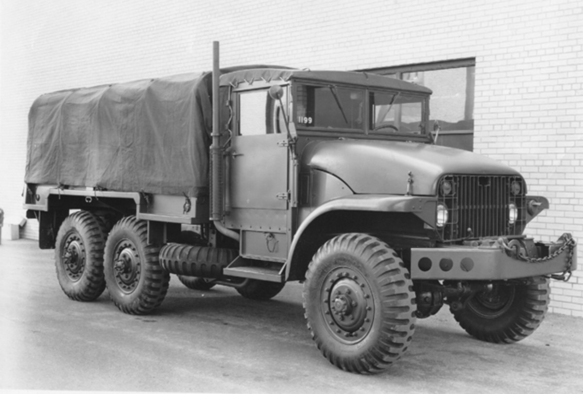 The M135 variant had a different cargo bed than the M211 with cut-outs for its 11.00X20 tires.