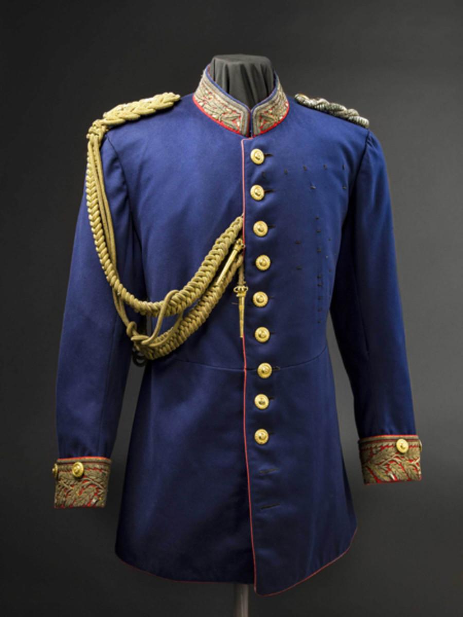 Ernst I, Duke of Saxe-Altenburg - a uniform asSaxon general, circa 1905. SP: 11000 Euros