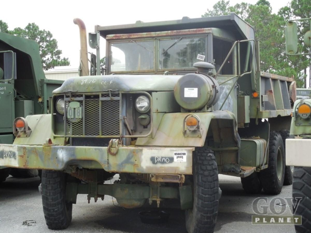Kaiser/Jeep XM817 6x6 Off-Road End Dump Truck (#530615). Starting Bid: $1,200.