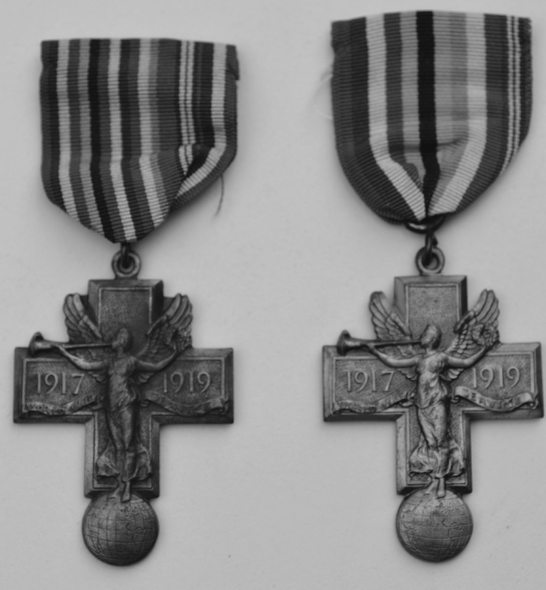 Two local Pittsburgh WWI issued medals were made by Robbins Company, the first for the Zion Evangelical Church (left) and the other for the Pittsburgh Power Piping Company. Both were issued on Allied colored ribbon variants.