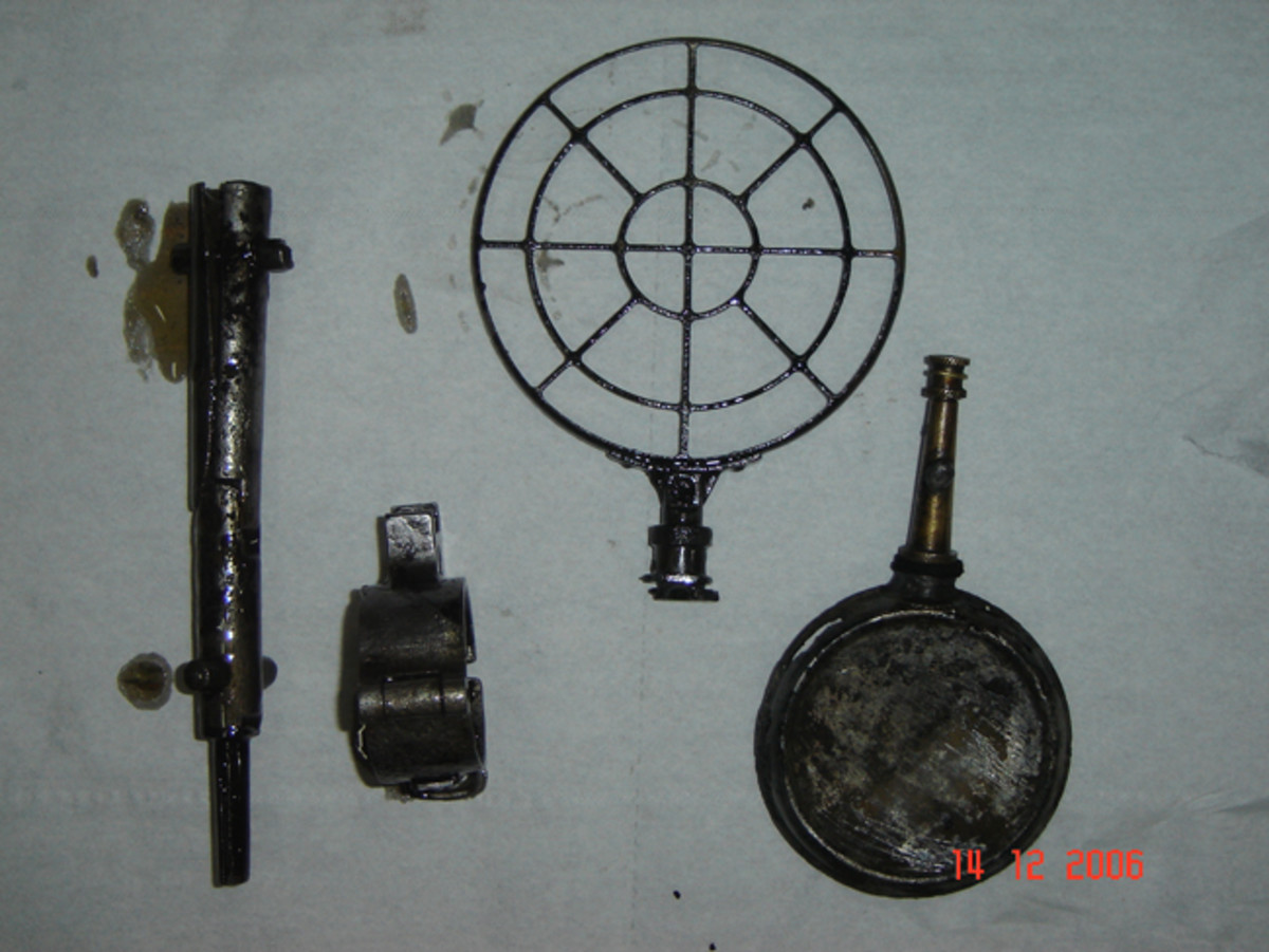 Parts from the MG34 gun box, including a gunsight used for anti-aircraft defense, were discovered during the first attempt to pull out the vehicle in 2006.