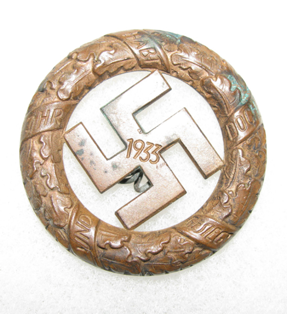 hough a regional traditions badge, the 1933 Munich day badge did not receive national recognition.