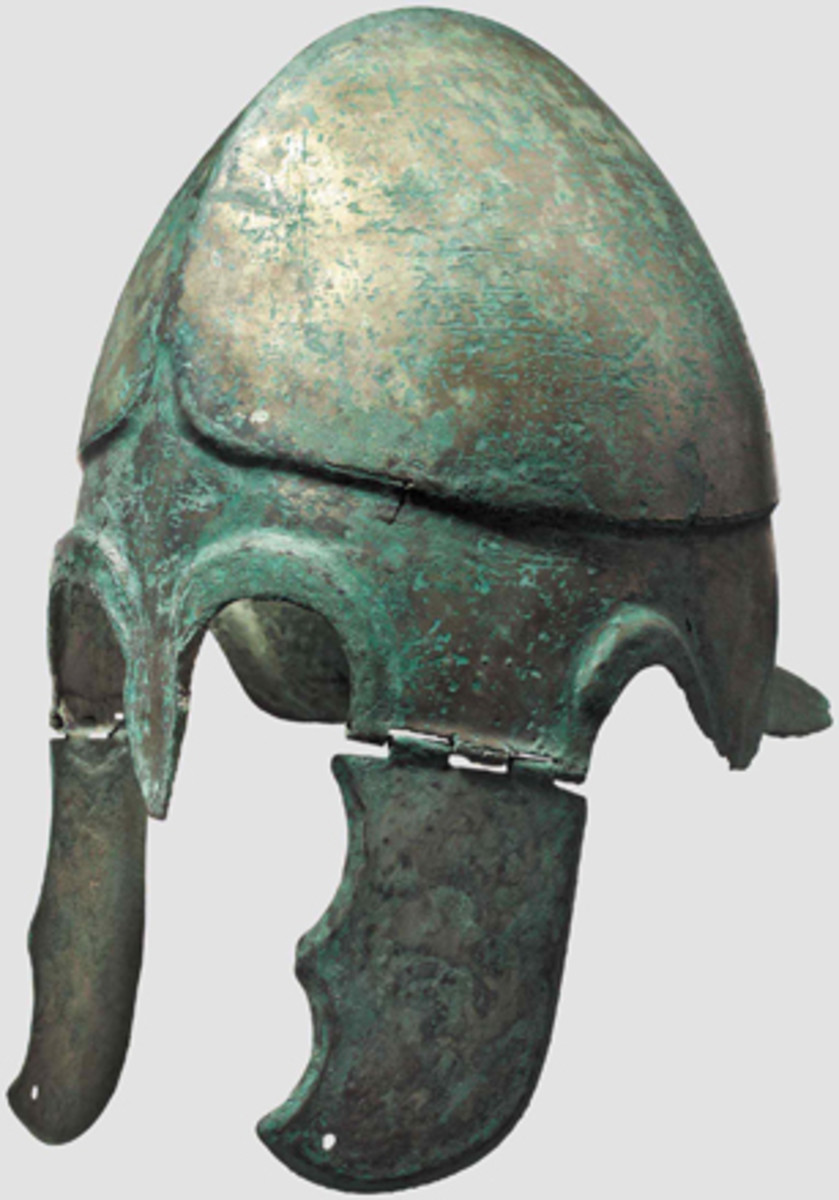 A Chalcidian Bronze helmet with predominantly preserved, tin plating, early 4th cent. BC. HP: 28,000 Euros