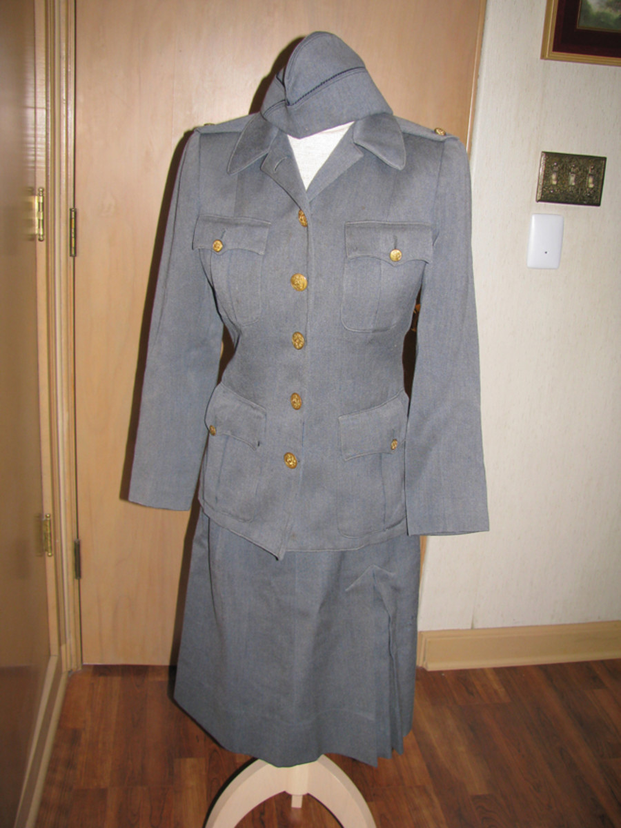 One of Kitty's American Red Cross uniforms was made of gray wool with US Army buttons but no other insignia.