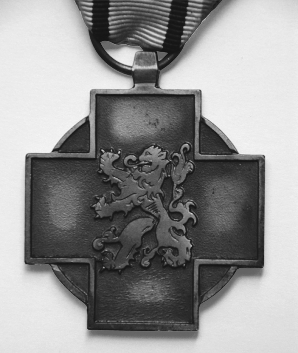 Obverse of the Military Combatant's Medal with rampant Belgic lion.