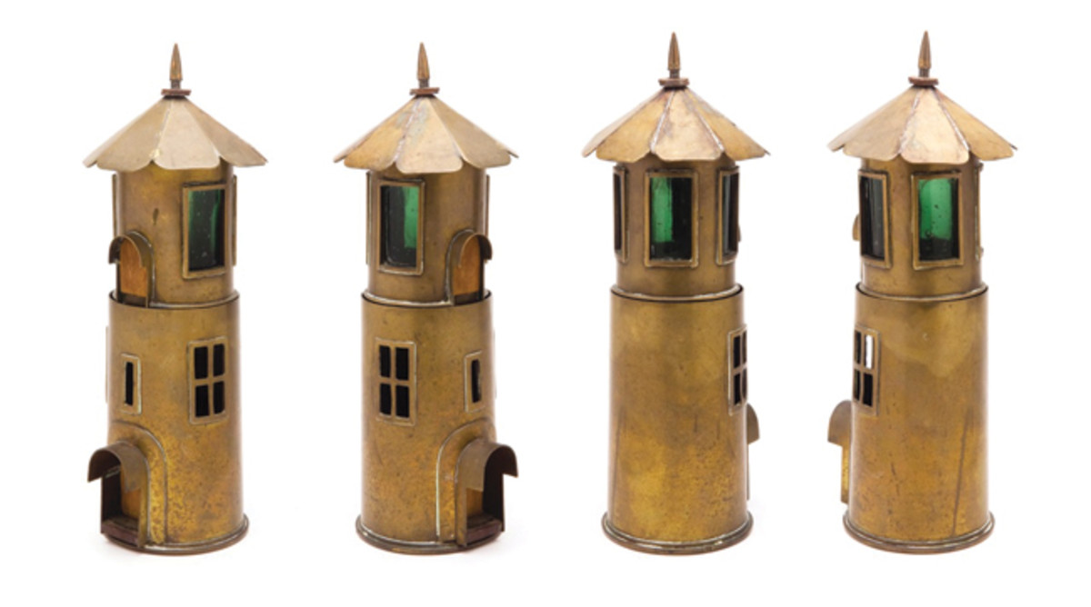 This lighthouse is presumed to be a fancy candle holder, made from a couple of 75mm shells and some green glass. Photo courtesy: John Ford, www.trenchart.net