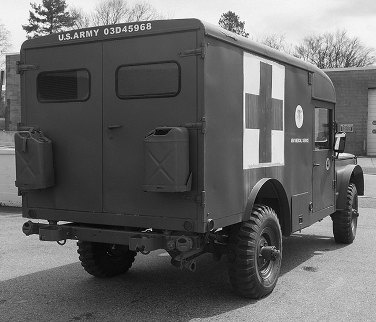 Another of the most widely recognized jeep ambulances is the Kaiser M725, which served during the Vietnam and Cold Wars.