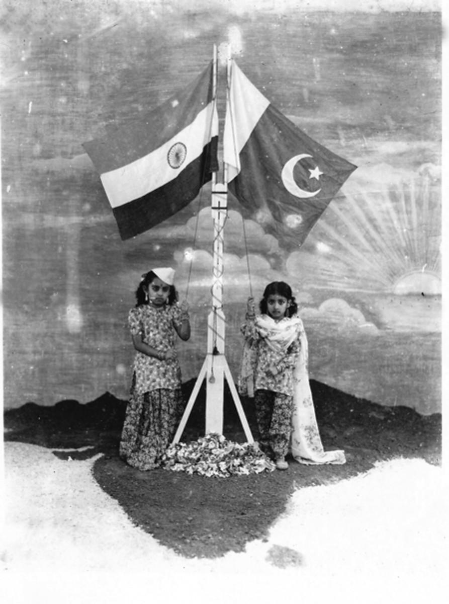 1947-shaku-shanthi-flags1