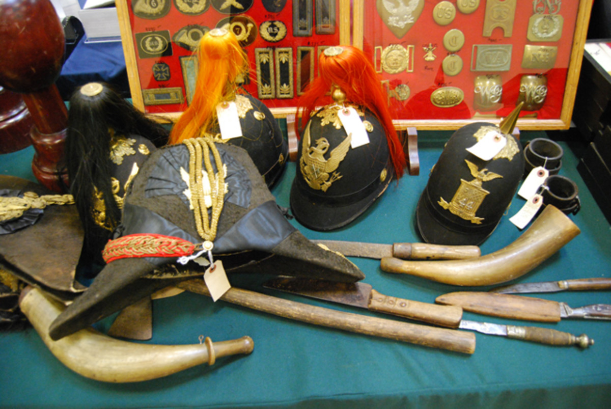 As noted by this display, the Prussians/Germans didn't have a monopoly on dress helmets with plumes and spikes.