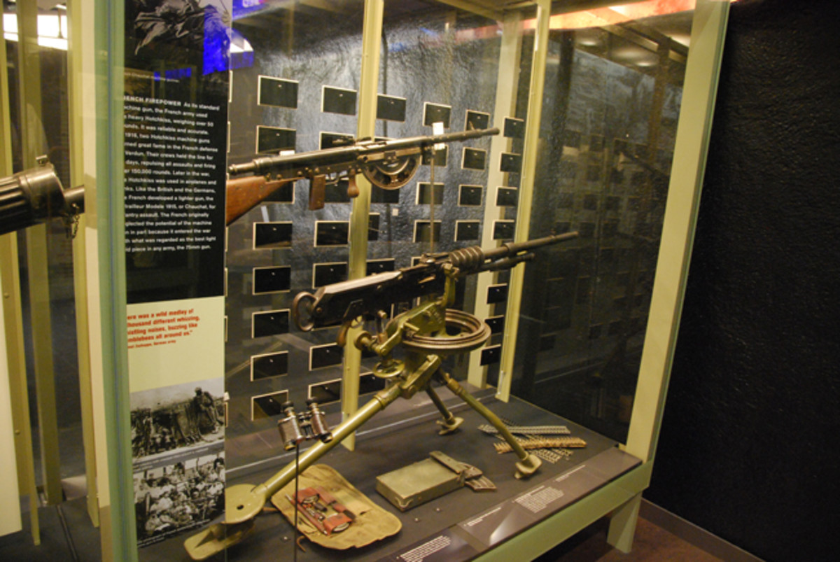 French made machine guns including the notorious Chauchat (top) and the Hotchkiss M1914 (bottom).