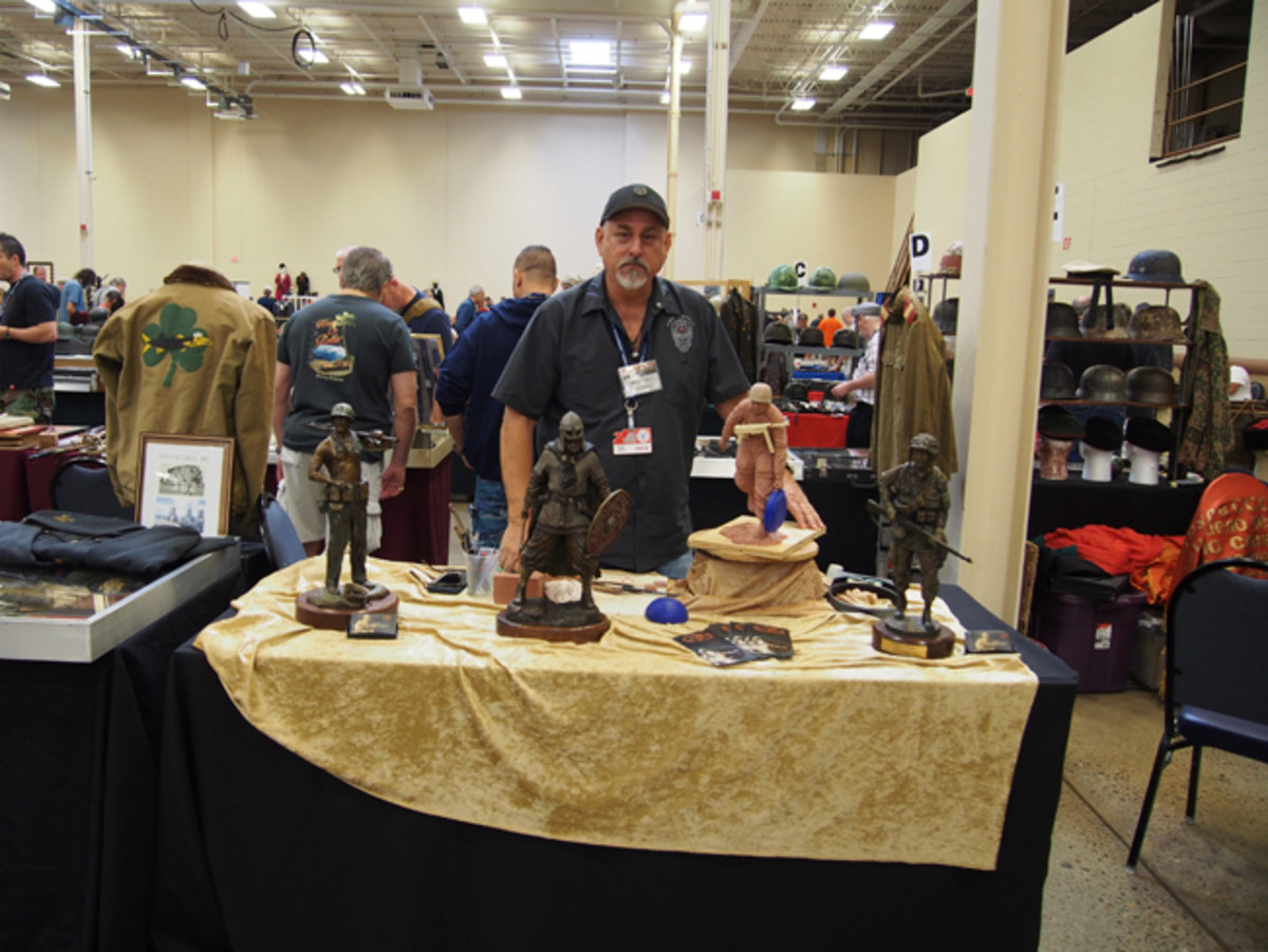 Noted sculptor David Paul Venell was at the MAX Show to demonstrate his skills.