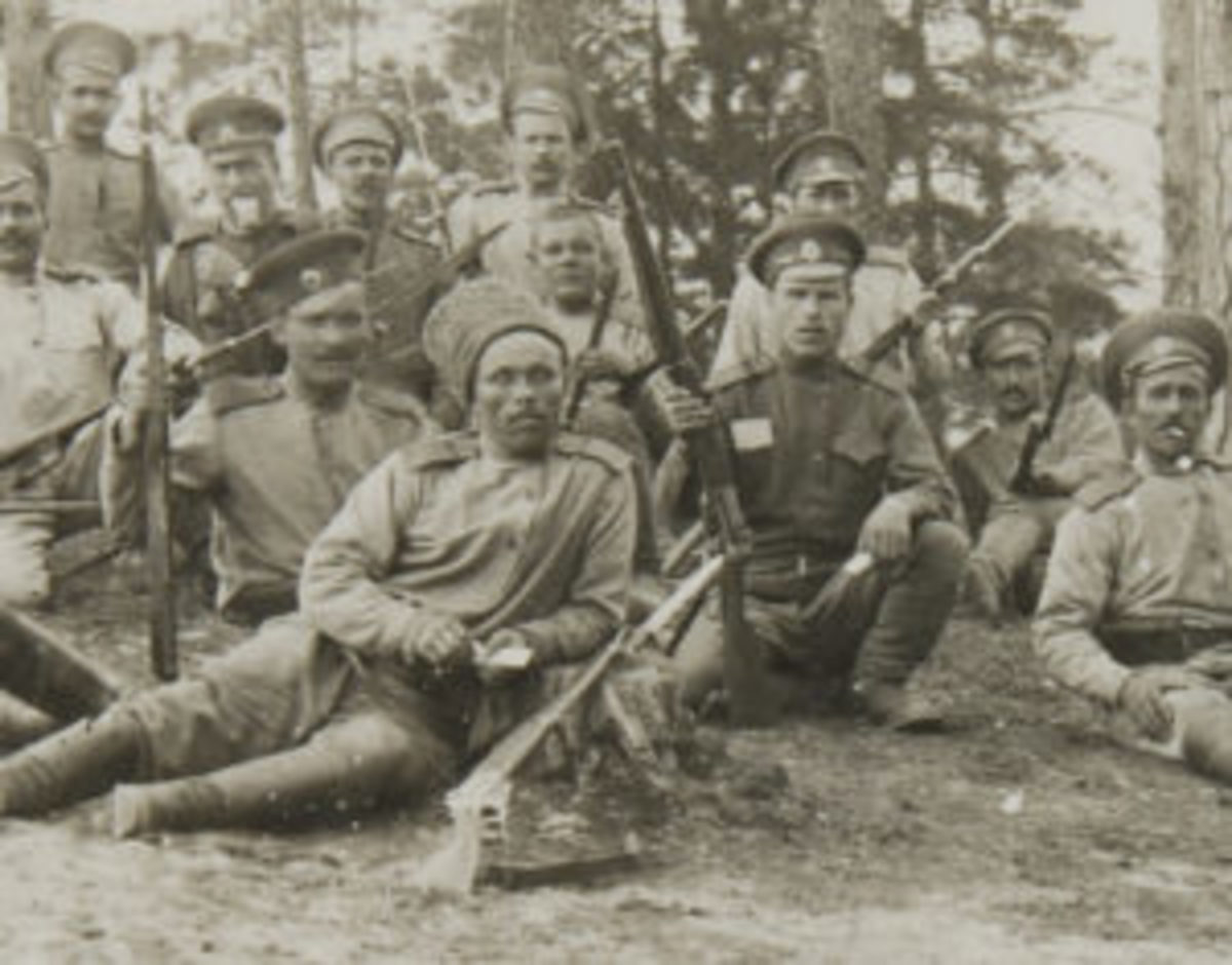 Russian soldiers with Model 1895 muskets, ca. 1917. John Adams-Graf collection