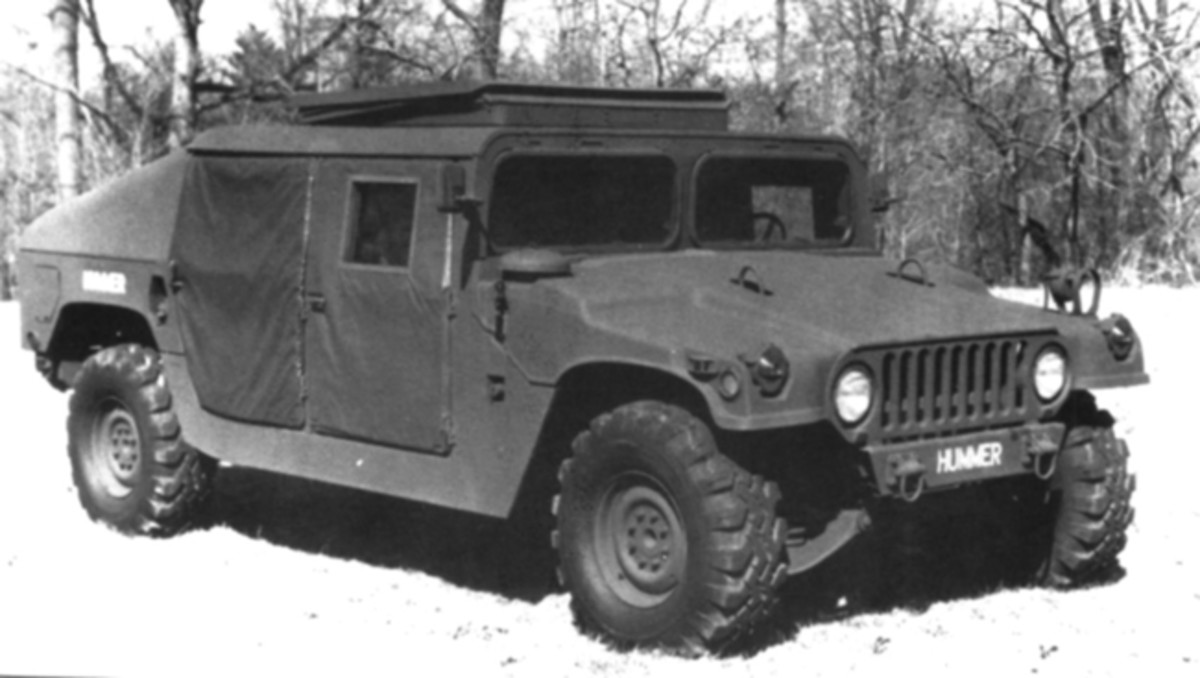 When this prototype was constructed the powerplant had been changed to the GM 6.2-liter diesel. Notice the Jeep-like appearance of the grille, which was not carried over into the production models. Of particular interest are the rounded lower corners of the swing-out windshield panels.