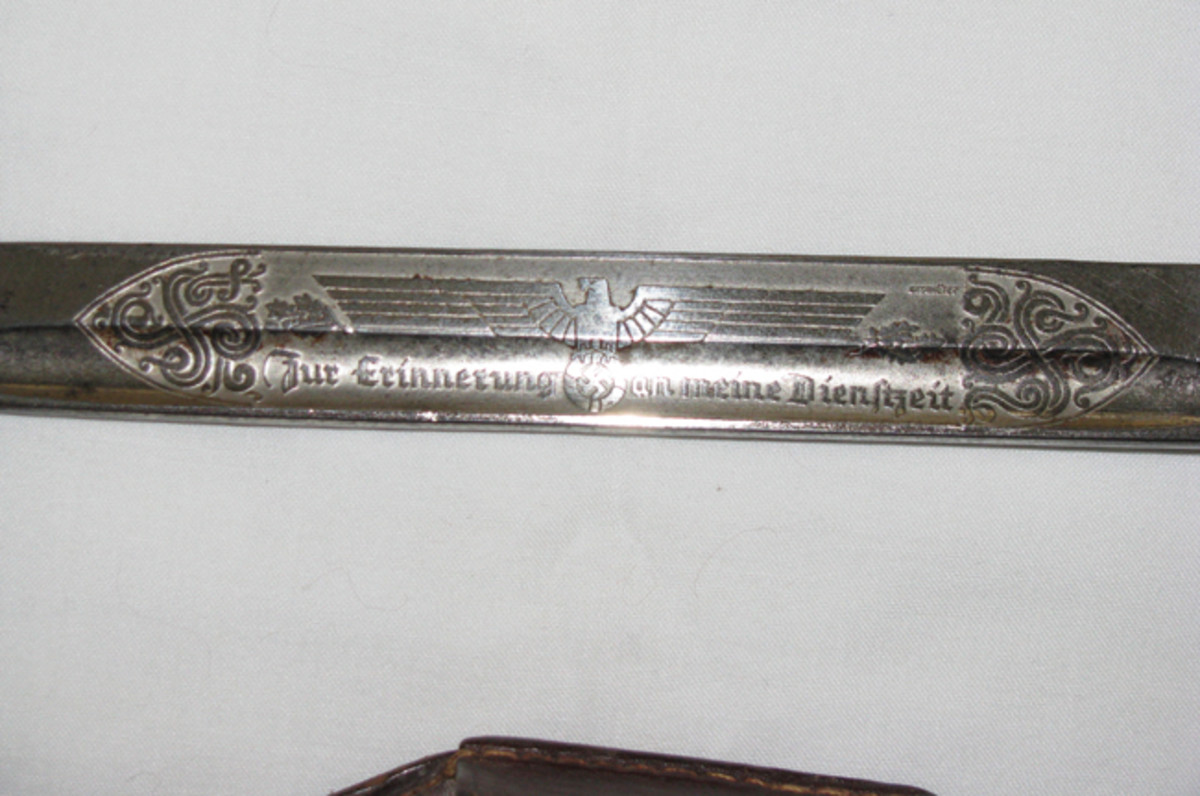 Bayonet blades could be engraved with national eagles and mottoes such as those in remembrance of one's time in service.