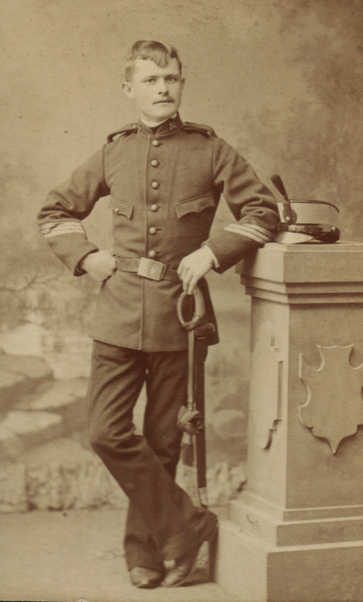 "A late-1880s CDV of an Line Infantry Sergeant from the 14th. Infantry Regiment ""América"". He wears the 1st pattern Model 1886 dark blue tunic with a madder red collar."