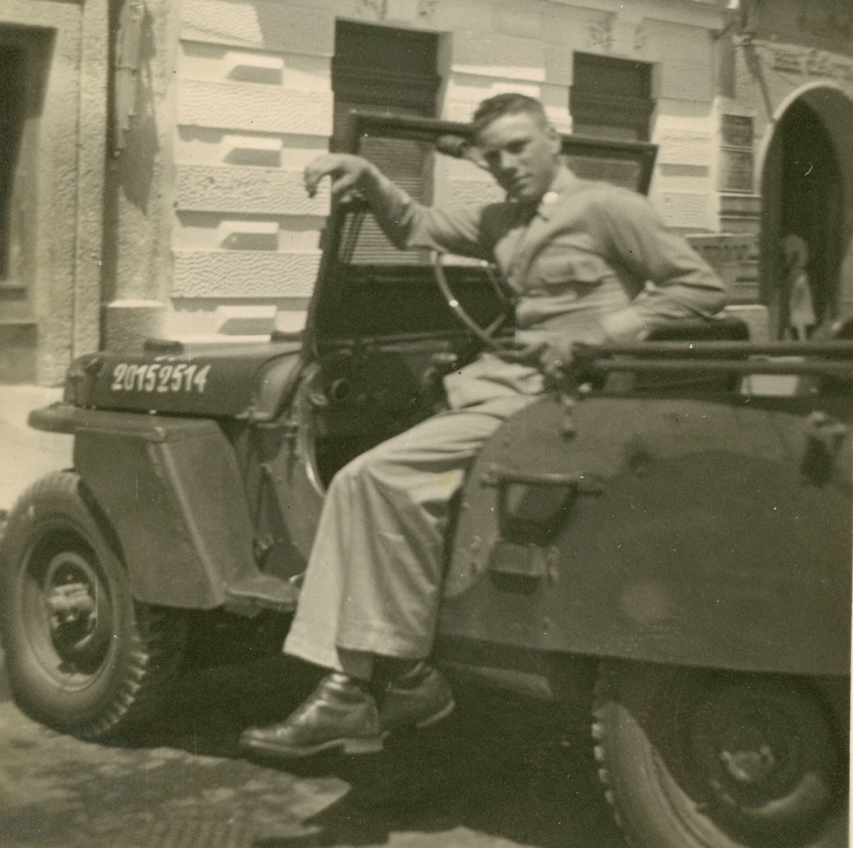 """Doin' it, """"Berlin-Style."""" Following the end of hostilities, American GIs turned to hot-rodding surplus Jeeps to pass their time. So many modified GPWs and MBs rolled the streets of the former Nazi capitol, that they took on a name of their own: """"Berlin hot rods."""""""