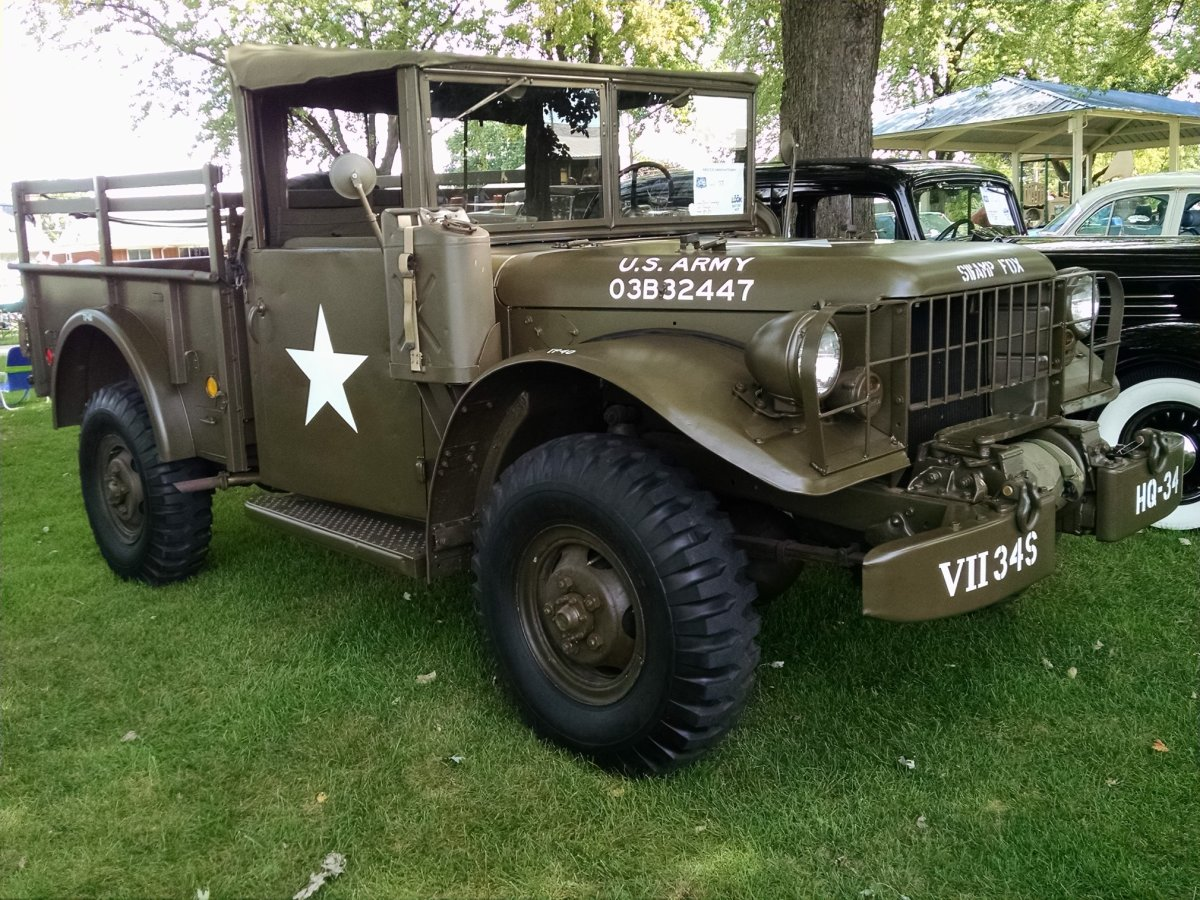 Christopher Causley's 1952 M37