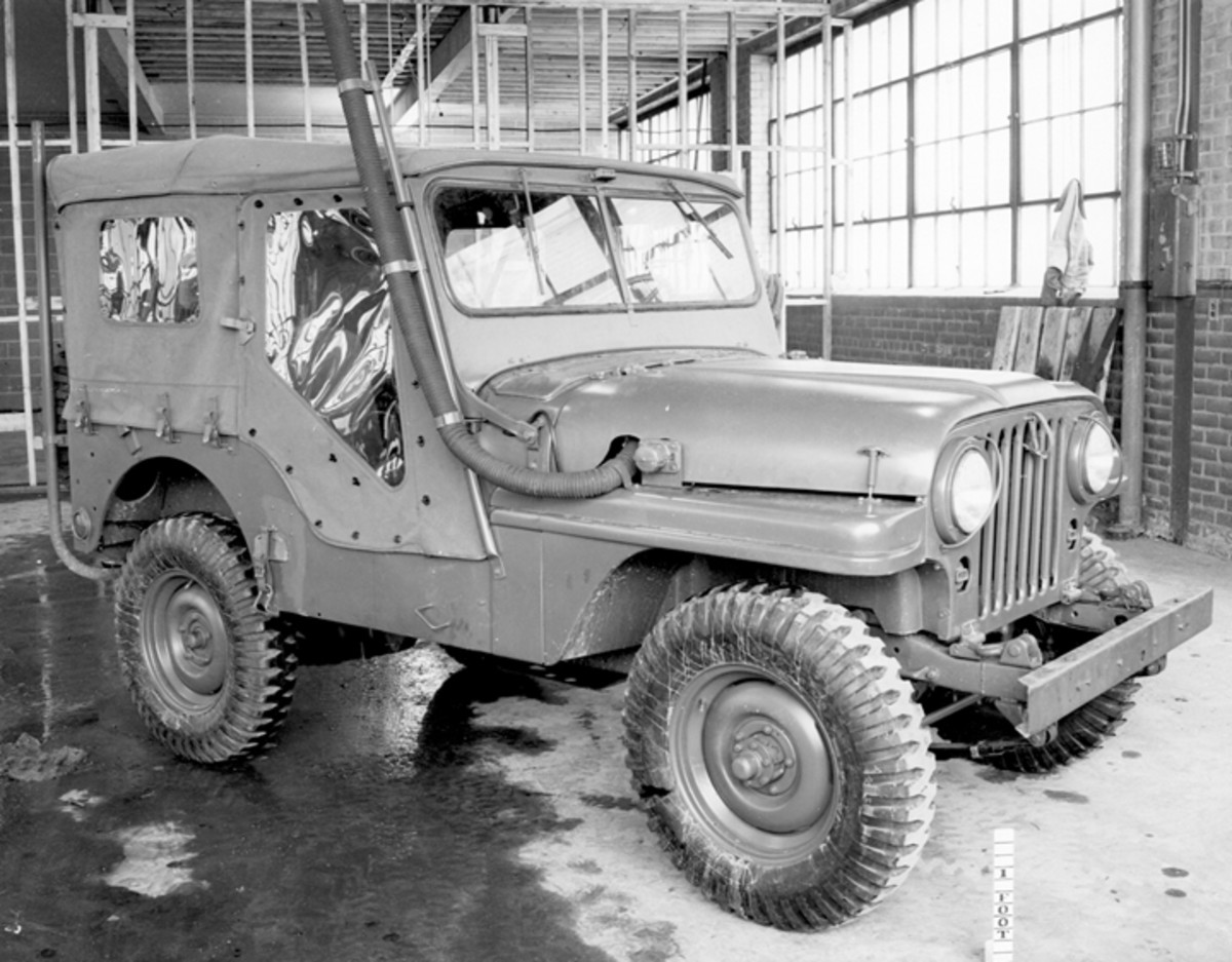 By February 1951, the design had been refined, and the vehicle dubbed M38E1. Compared to the previous photo, notice how the fenders had been redesigned.