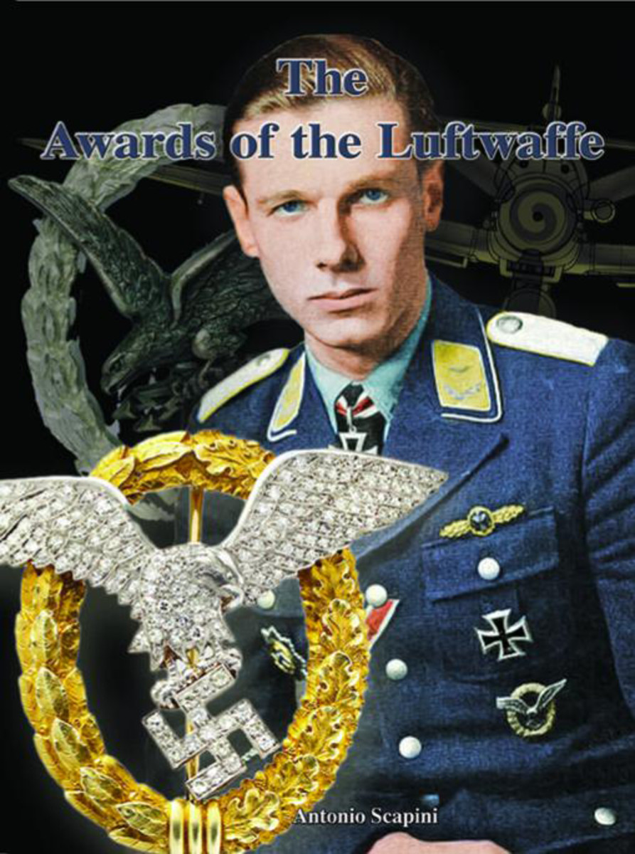 Cover: The Awards of the Luftwaffe, by Antonio Scapini