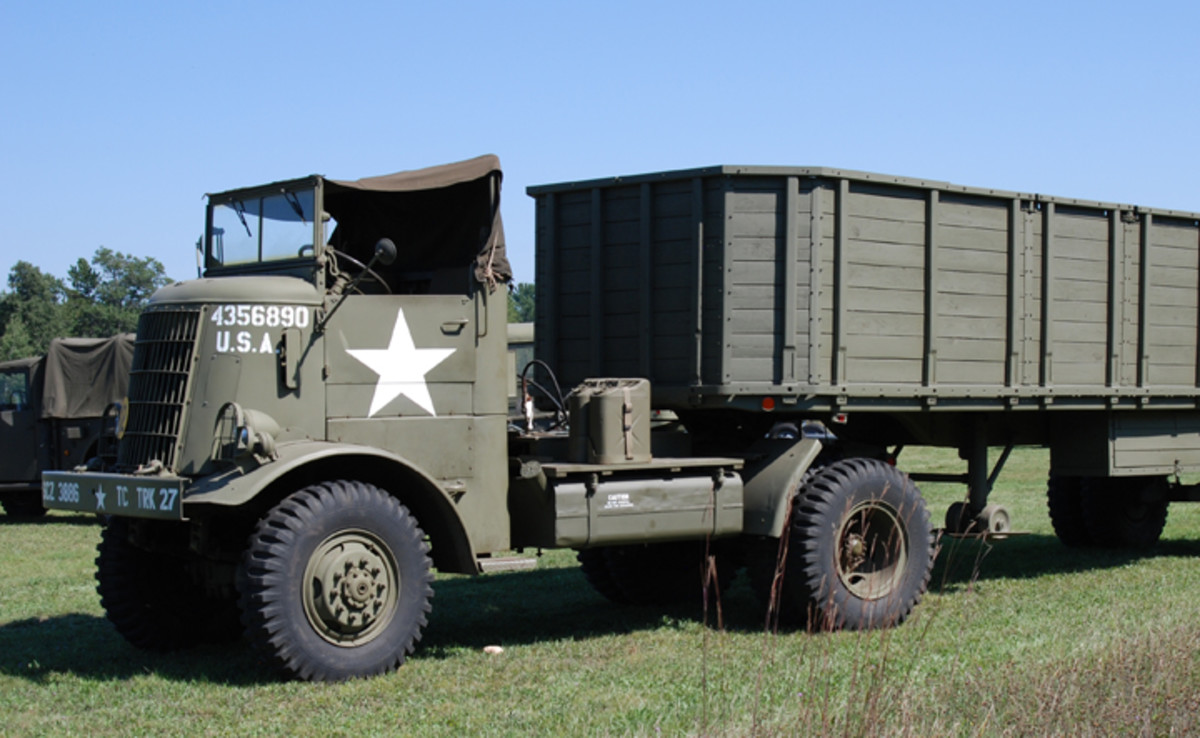 The tractor had a Hercules RXC engine (8,7 l, 112 hp), 10-speed transmission,Timken axles. The Army used them to to tow general purpose trailers and fuel tanks with a capacity of 7.6 thousand liters.