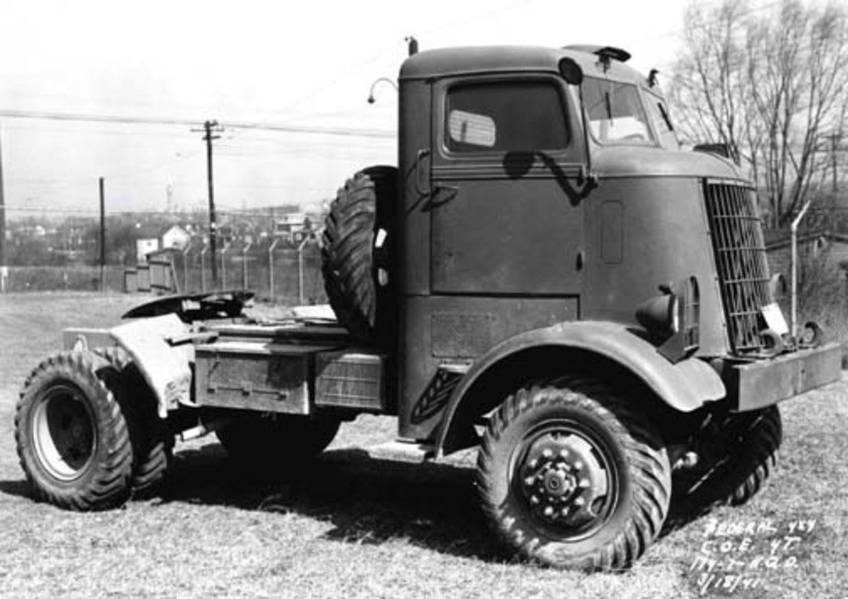 The Federal 94x43A was based on commercial tooling, with an enclosed metal cab.