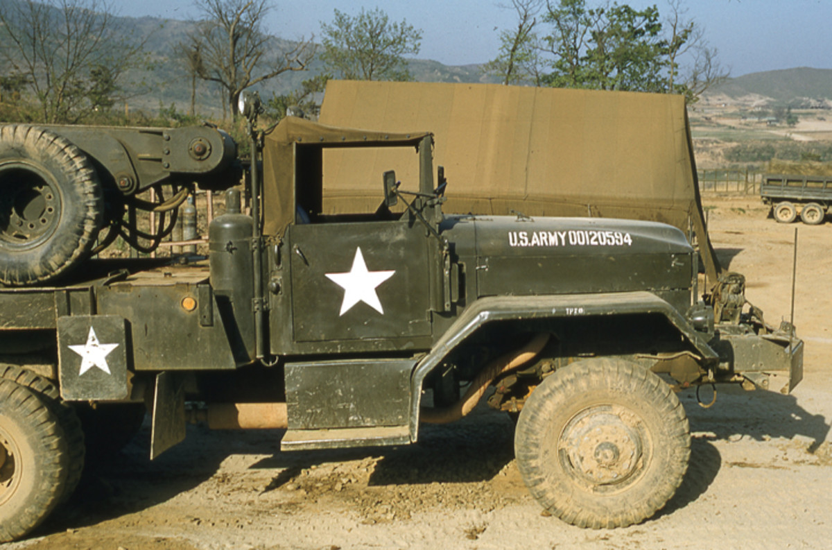 The M62 had a front-mounted, 20,000-lb capacity self-recovery winch.