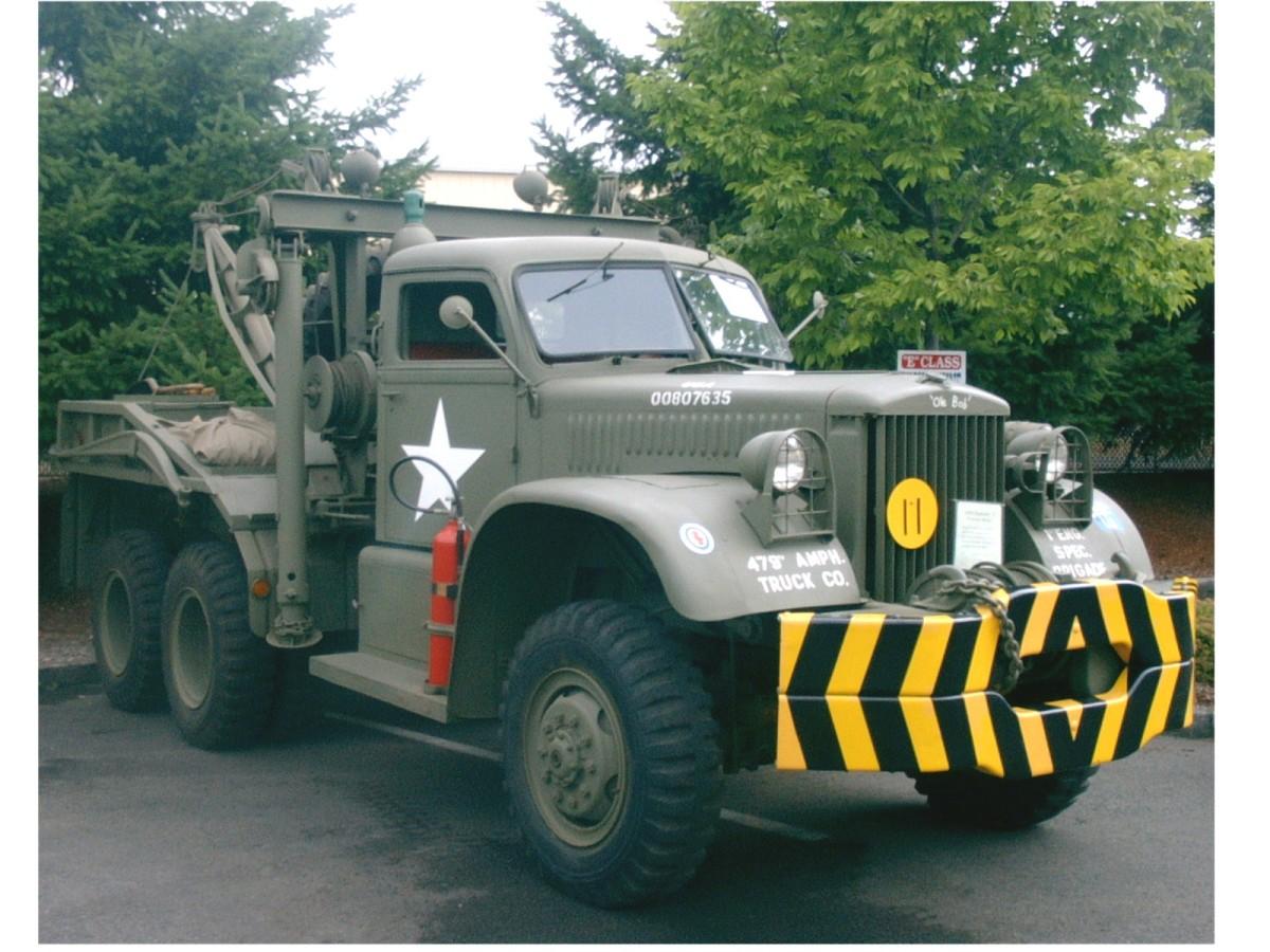 Steve Greenberg restored this 1944 Diamond T wrecker.