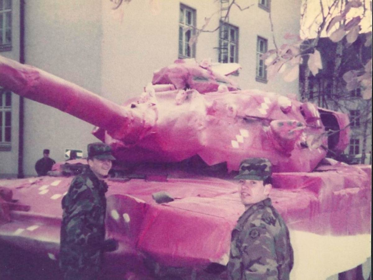 """The 2nd Armored Cavalry Regiment seem to have embraced their special camouflage pattern, even adapting their own """"Special X-MAS TEX"""" at Bamberg/Frankonia."""
