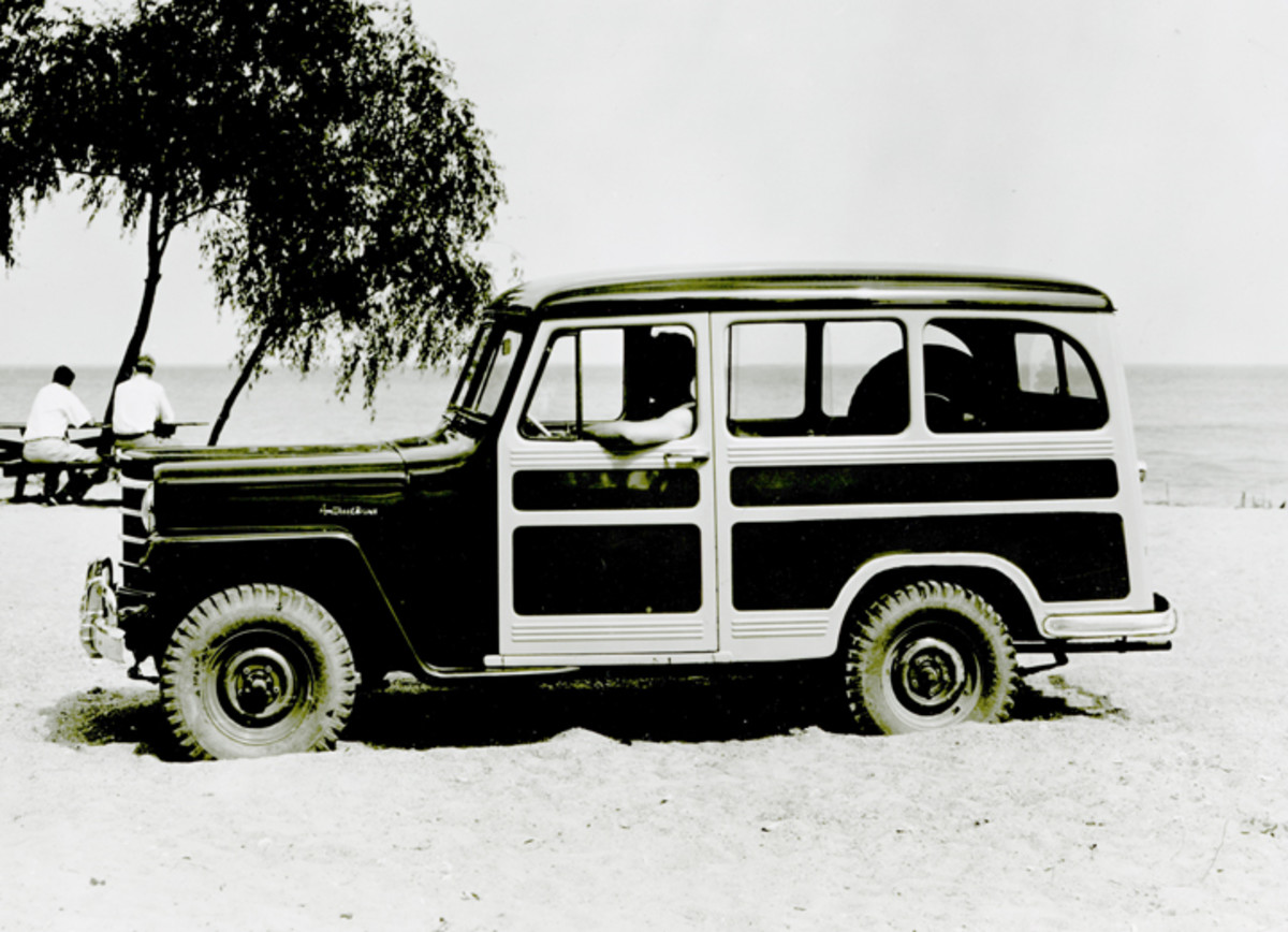 Because sales of Willys/Kaiser automobiles had never been spectacular, Willys came out with a line of station wagons that capitalized on the recognizable Jeep-like grille and flat fenders.